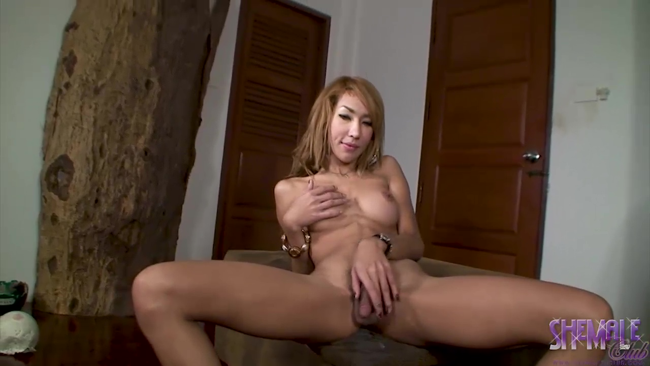 Kwang jacks off her thick wang until her hot creamy ejaculate